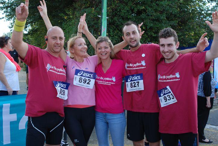 Des coureurs qui portent bien le rose : merci et bravo !